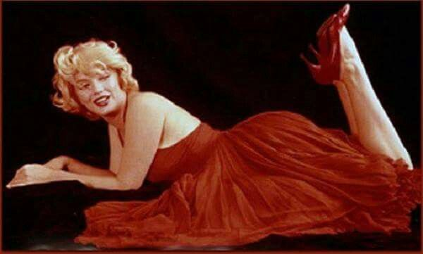 66 best marilyn monroe the red dress sitting images on