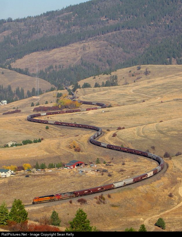 RailPictures.Net Photo: BNSF Railway GE ES44AC at Nagos, Montana by Sean Kelly
