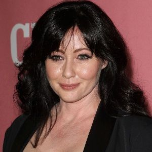 Shannen Doherty (American, Television Actress) was born on 12-04-1971.  Get more info like birth place, age, birth sign, biography, family, relation & latest news etc.