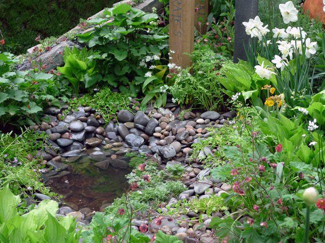 17 best images about garden ideas on pinterest for Garden pond edging ideas