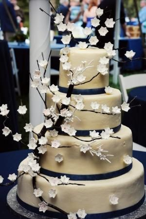 Rustic Wedding Cake  love the White cherry blossom look by catrulz