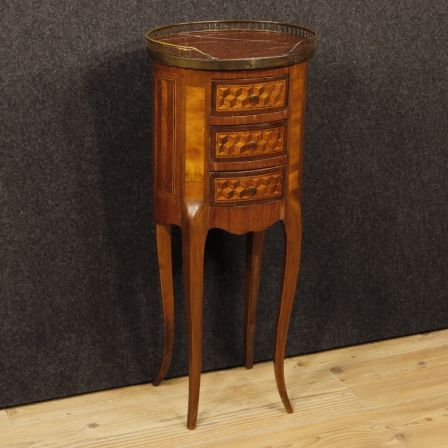 750€ French inlaid side table with marble top. Visit our website www.parino.it #antiques #antiquariato #furniture #antiquities #antiquario #comodino #inlay #inlaid #tavolino #sidetable #table #decorative #interiordesign #homedecoration #antiqueshop #antiquestore #nightstand