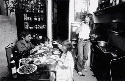 Serge Gainsbourg & Jane Birkin/ home, Paris 1976 by Claude Azoulay