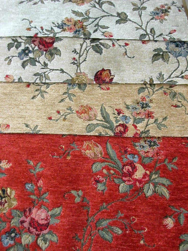 Virág mintás, gobelin hatású zsenília szövött bútorszövet. Színek: terra, mogyoró, bézs, tört fehér