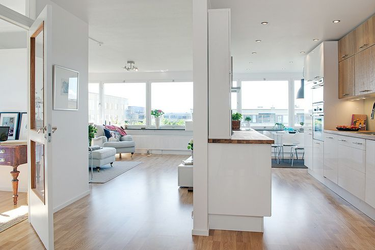 How to Design a Luxury Home With a Clean White Color for Interior