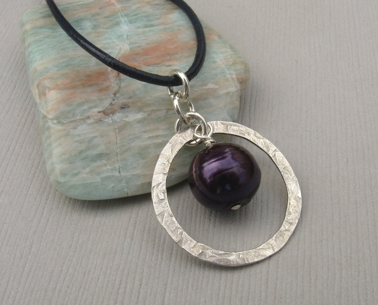 Single Pearl and Sterling Silver Circle Necklace