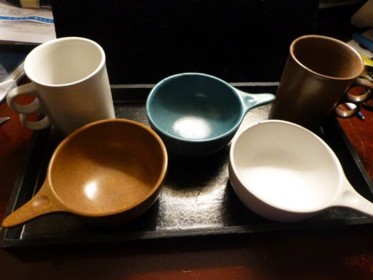 Five Pieces of Bennington Pottery Bowls 2 Finger Cups
