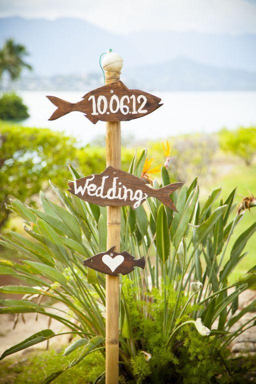 Beachy wedding signage I Cherished Photography. #weddingsignage #beach