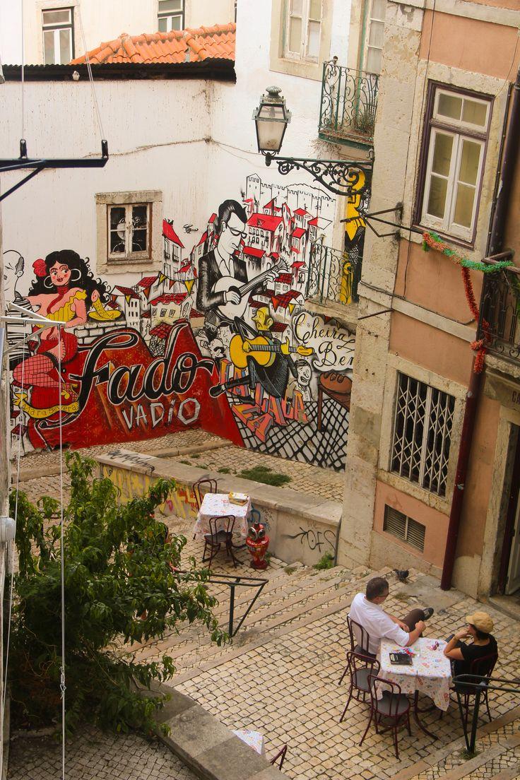 LISBONA Arte de rua e restaurantes da Mouraria