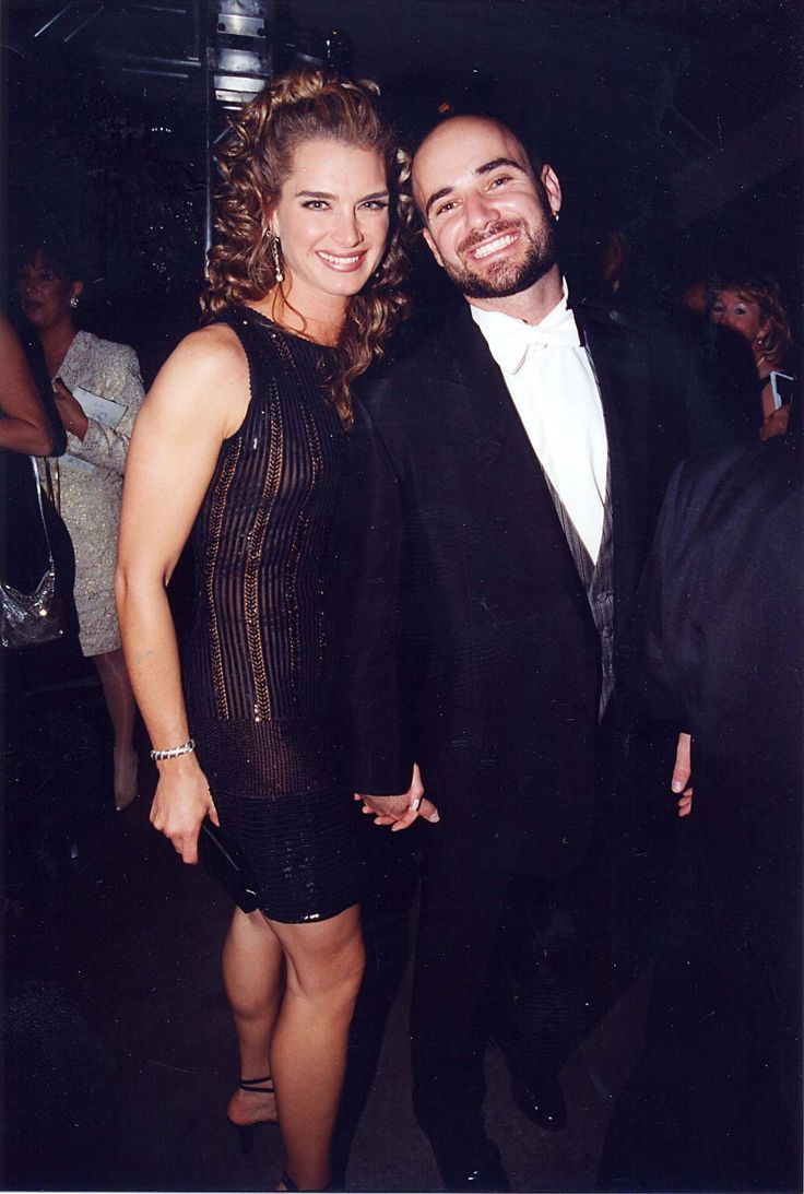 Brooke Shields started seeing Andre Agassi in 1993, and the duo were married from 1997 to 1999.