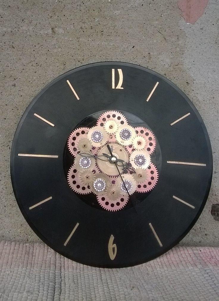 Часы в стиле стимпанк -Тома