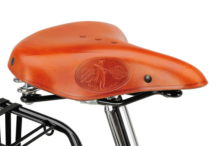 #wounderful #detail: #leather #saddle Lepper from Batavus Old Dutch Deluxe