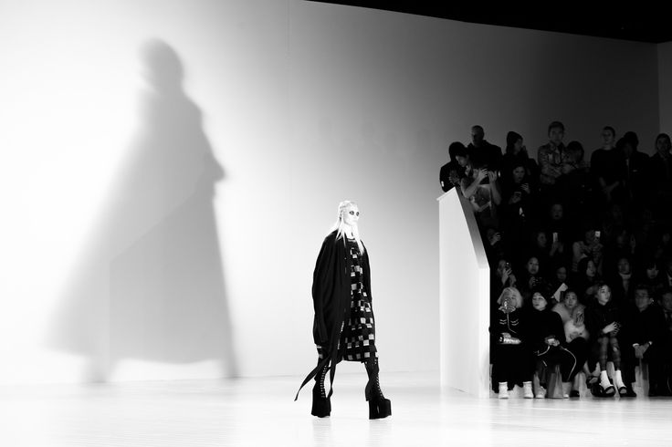 Marc Jacobs Fall 2016 Ready-to-Wear Atmosphere and Candid Photos - Vogue