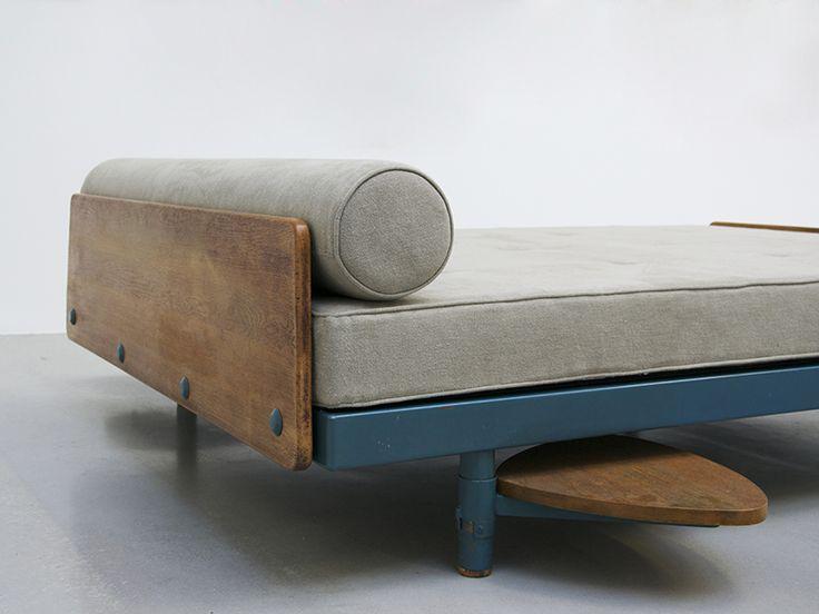 Lit SCAL double, 1957 de Jean Prouvé - Galerie Patrick Seguin