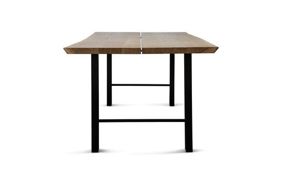 Track - a dining table made of two broad, parallel oak planks that rest across two black powder coated iron profile.  #plankebord #spisebord