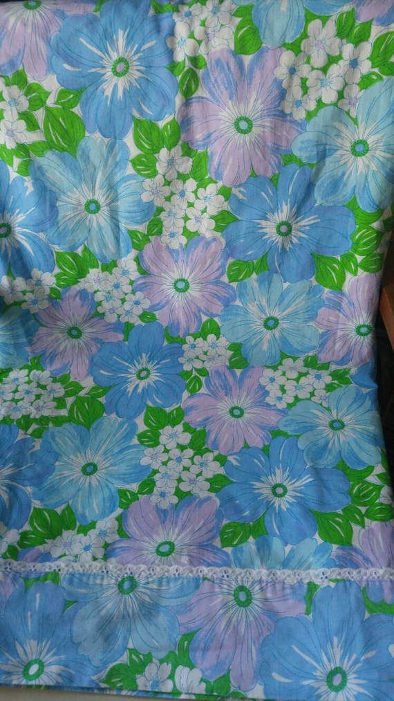 Wabasso Marvel Press double flat bedsheet / flower power / spring flowers / blue / purple / pink Check out this item in my Etsy shop https://www.etsy.com/ca/listing/506608886/wabasso-marvel-press-double-flat