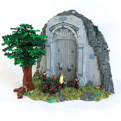 The Lord of the Rings is constantly present as a theme in LEGO fan creations, although less so in the past year or two. As an extension, other stories of Tolkien's universe find their way into bricks, notably and in this example by Carter Witz, the Silmarillion. The build represents the gates of Menegroth, the …