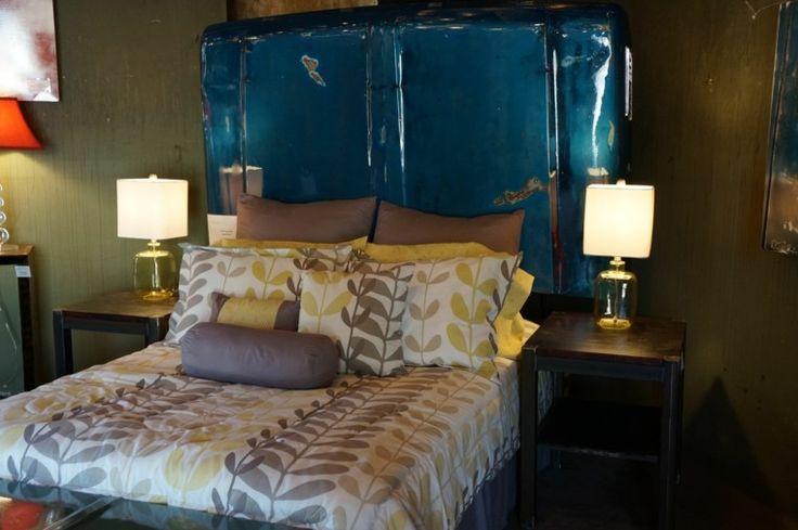 Hoy les presentamos cincuenta originales modelos de camas con cabeceros hechos a mano, no lo duden y tomen ideas de nuestra recopilación de imágenes.