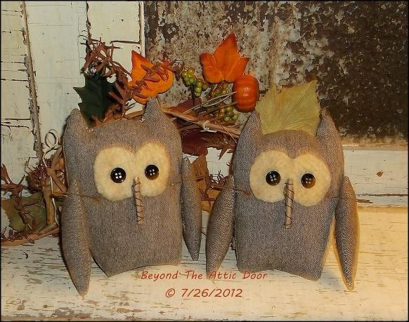 Primitive OWL Tucks Fall Bowl Fillers Ornies by BeyondTheAtticDoor