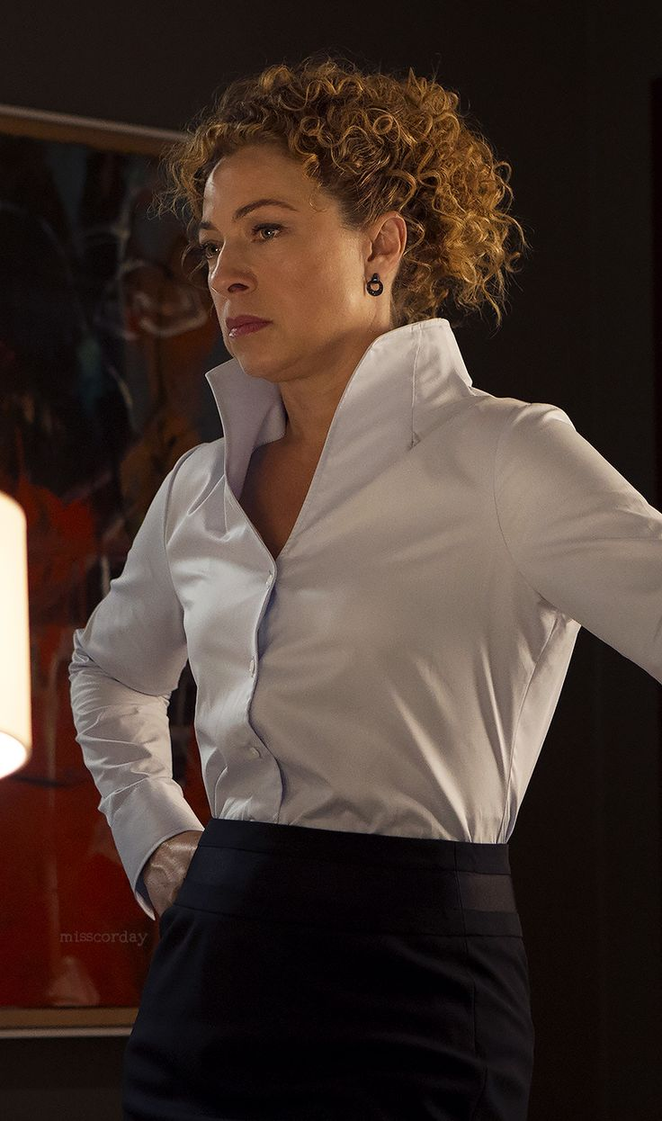"misscorday: ""Alex Kingston as Mary Foster in Shoot the Messenger """