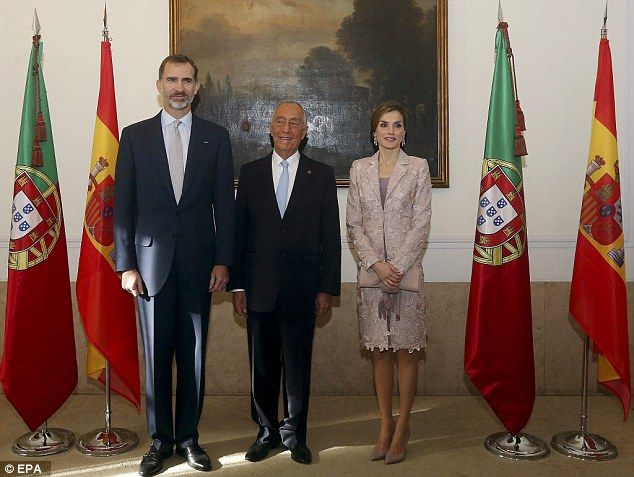 The royal couple pose withPresident Marcelo Rebelo de Sousa in Porto's City Hall...