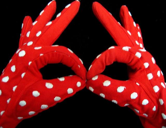 red polka dot glovesFashion Shoes, Fashion Models, Girls Fashion, Dots Gloves, Helpful Hands, Girls Shoes, Red Art, Art Projects, Red Polka Dots