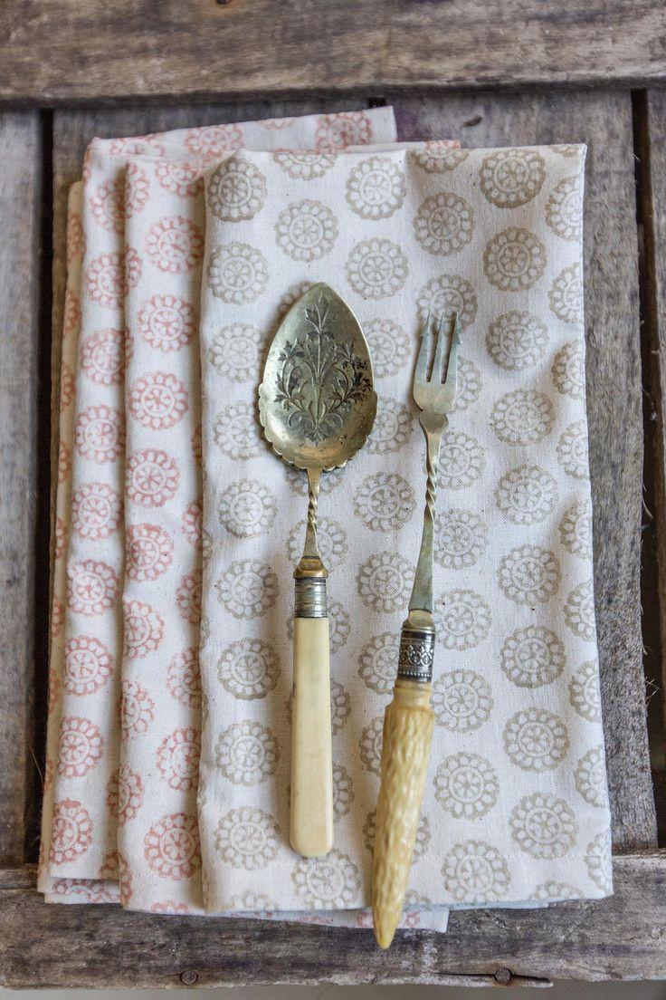 Set Of 4 Daisy Napkins Hannah Watchorn England