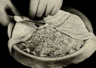 Разделка пирога с капустой