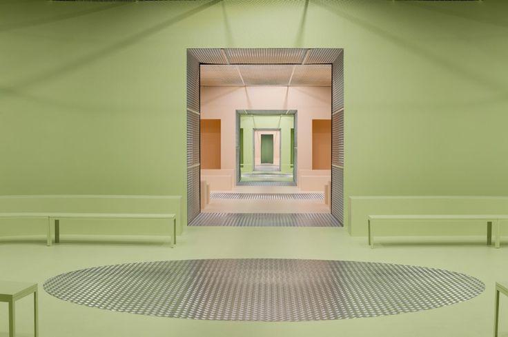 AMO, Il Palazzo Infinito, Prada Donna AI 2015, spazio sfilata