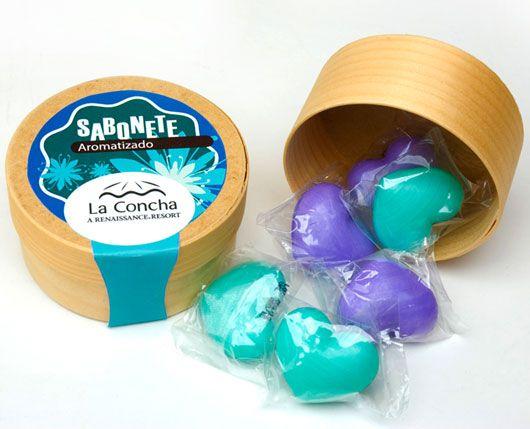 Remind: brindes promocionais : Sabonete Aromático de 7 Corações - Embalagem de Madeira - Azul