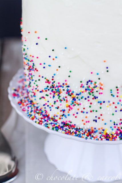 The rainbow sprinkles over the white cake (and the low-key background)... This picture really caught my eye.
