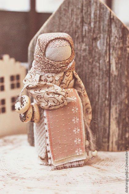 Народные куклы ручной работы. Ярмарка Мастеров - ручная работа. Купить Бабушка с баранками. Handmade. Бежевый, оберег, сувениры и подарки