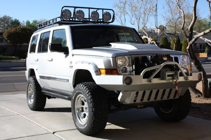 60+ Handsome and Powerful Jeep Commander Picture Collections ideas http://pistoncars.com/60-handsome-powerful-jeep-commander-picture-collections-3950
