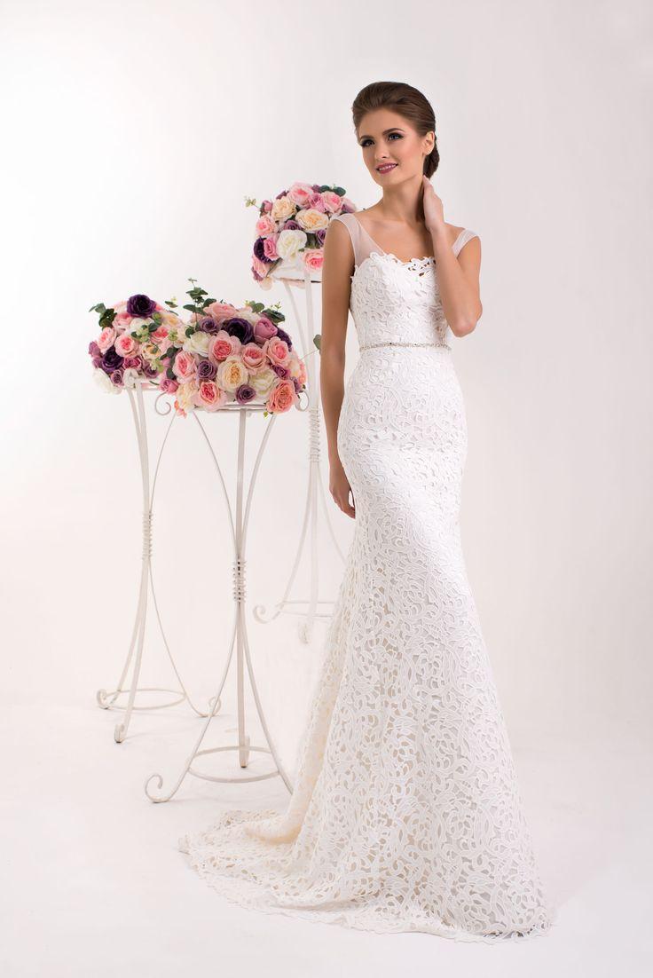 Krásne čipkované svadobné šaty s ramienkami v štýle morská panna
