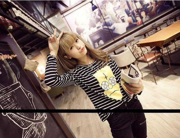 16974BK long-sleeved t-shirt (black stripe) Fabric: Cotton Size: Free Size: Shoulder: 59cm Sleeve: 44cm Bust: 96cm Waist: 94cm Length: 56cm