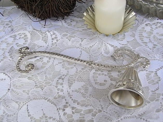 Vintage Wohnaccessoires - nostalgischer Kerzenlöscher silber shabby chic - ein Designerstück von artdecoundso bei DaWanda