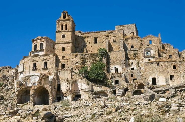 Craco is a medieval village located in the Region of Basilicata and the Province of Matera in Italy. It is the typical hilly town. It is now left abandoned.