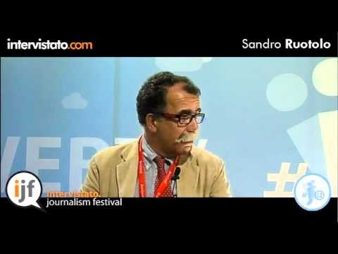 Intervista con Sandro Ruotolo, noto giornalista italiano e parte della produzione della trasmissione Servizio Pubblico.