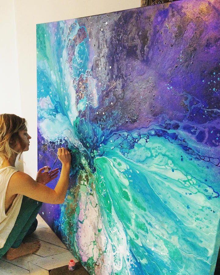 Los cuadros abstractos etéreos de Emma Lindström