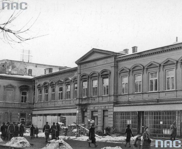 Dom towarowy przy ul. Krakowskie Przedmieście w Lublinie, przebudowywany na siedzibę niemieckiego starostwa miejskiego