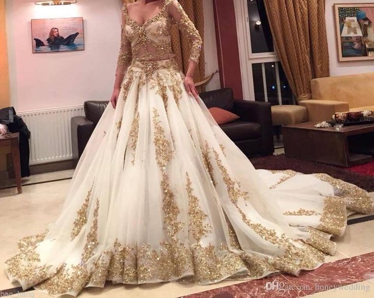 Cinderella Two Pieces Wedding Dress Arabic Ball Gown Gold Lace Beads Luxury V Neck 3/4 Long Sleeves Chapel Train Vintage Bridal Dresses 2015