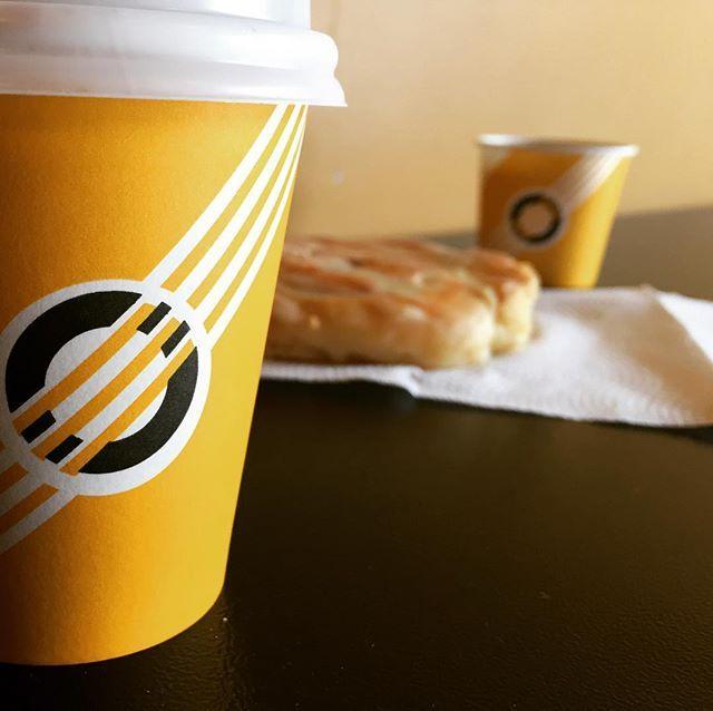 Pequeños grandes placeres!!  #Coffe  #CinamonRoll #Tostao #EstoyTostao