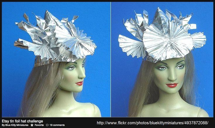 I lurves my tin foil hat |