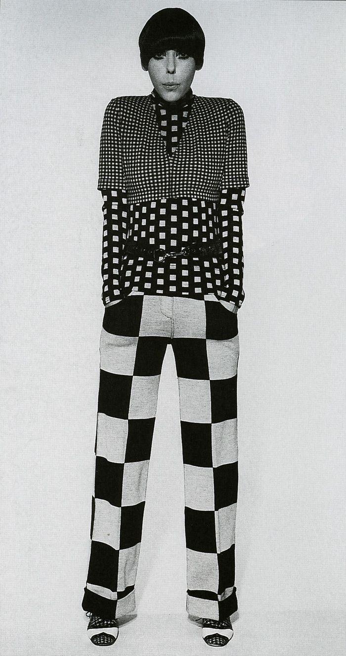 1960's. Model Peggy Moffit dress in Rudi Gernreich. Peggy Moffitt made Vidal Sassoon's asymmetrical five-point hair cut her signature look.