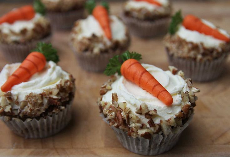 These Carrot Cupcakes are delicious enough to be eaten without any topping but once you taste this cream cheese icing you won't consider anything else! Recipe on my blog. Lainey x