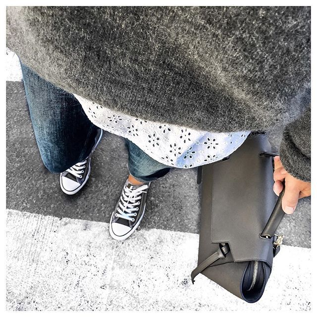 SOFT & COMFY • Dita Jeans & Gaspard Jumper from @sezane • Sneakers #converse • Bag #celine • Top from @sweeties.by.aude.d • #fromwhereistand#metoday#todayimwearing#sezane#sezaneparis#knitwear#sweetiesbyauded
