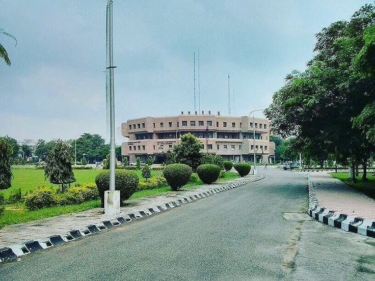 Thats my Alma Mater⠀ ⠀ NIT Jalandhar⠀ ⠀ Amazing weather and amazing scenery. . . . #asklocal #jalandhar #NIT