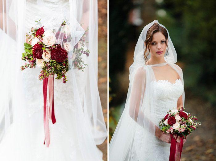 Brautstrauß beim Maskenball von Romeo & Juliet   Christina & Eduard… Hochzeitsfotografie Christina & Eduard  #Christina_Eduard_Photography  #Brautstrauß #Hochzeit #Rosen #Inspiration #Romeo_Juliet