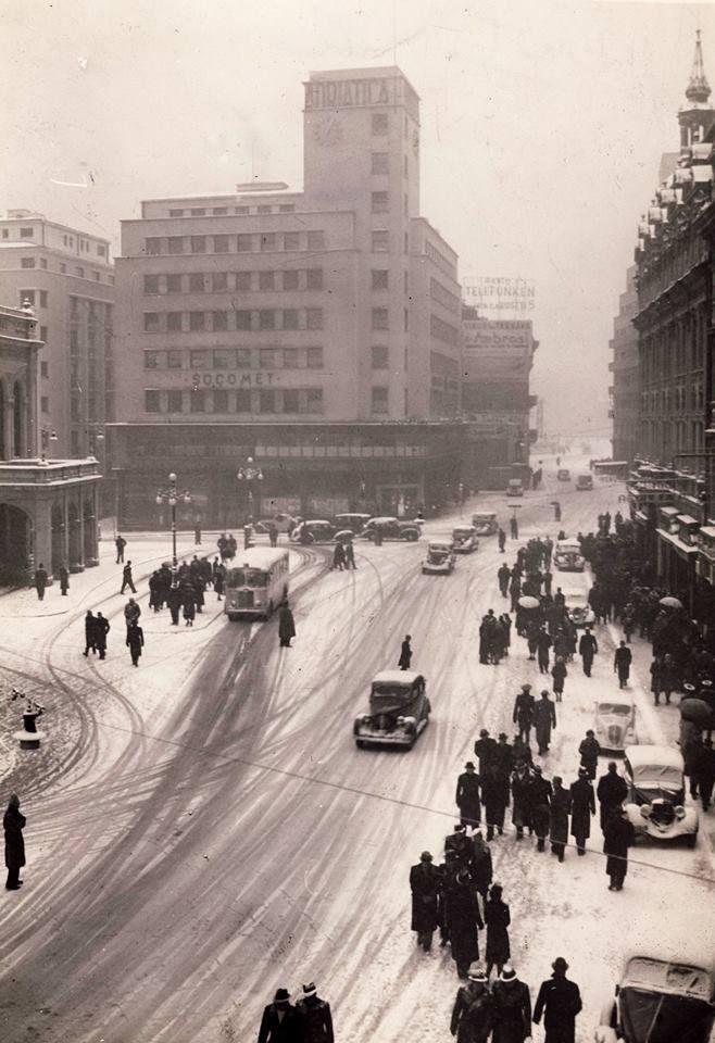 Calea Victoriei. Piața Teatrului Național,1941