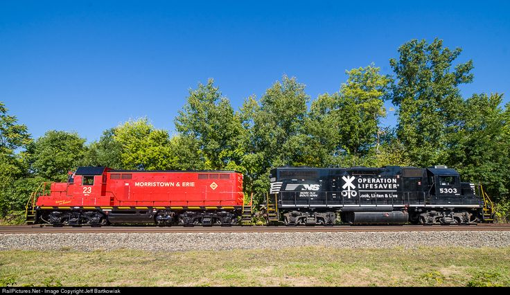 Morristown and Erie's freshly painted 23 GP7u and NS 5305